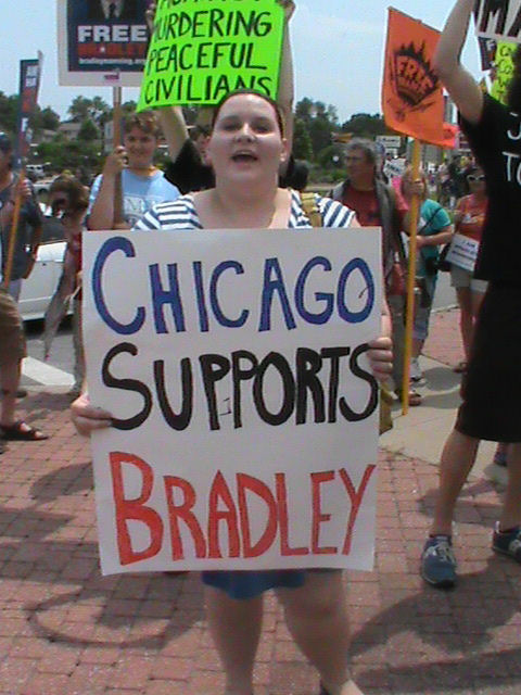 Chicago Supports Bradley Manning